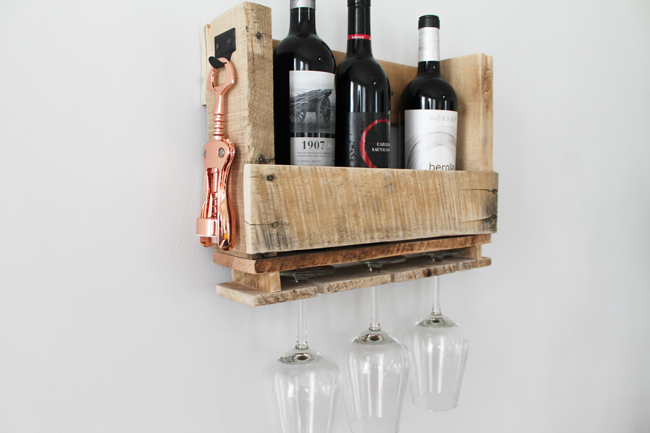 DIY Pallet Wine Shelving10.jpg